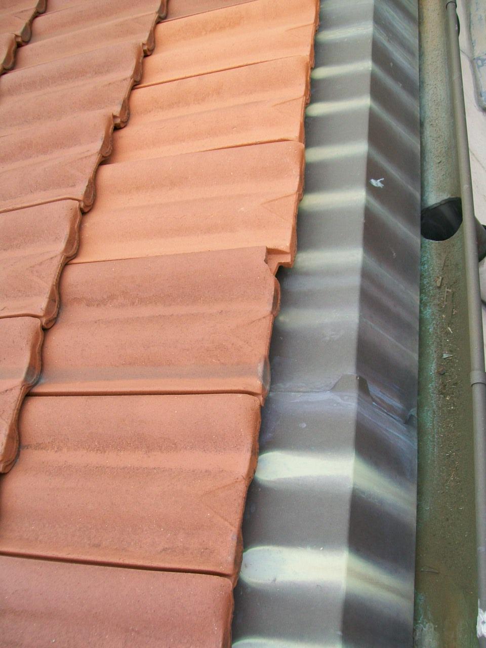 Pin toiture tuile bac acier on pinterest - Bac acier imitation zinc ...